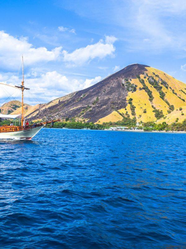 Sailing Komodo 2